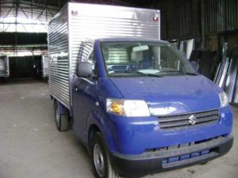 SUZUKI CARRY PRO 600KG thùng kín